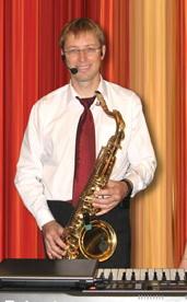 саксофонист на прахдник в Москве