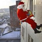 Дед Мороз в окно