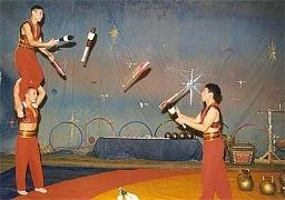 жонглеры с булавами