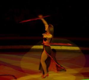 Цирковой номер с обручами