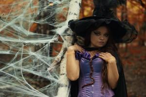 ведьма на Хэллоуин